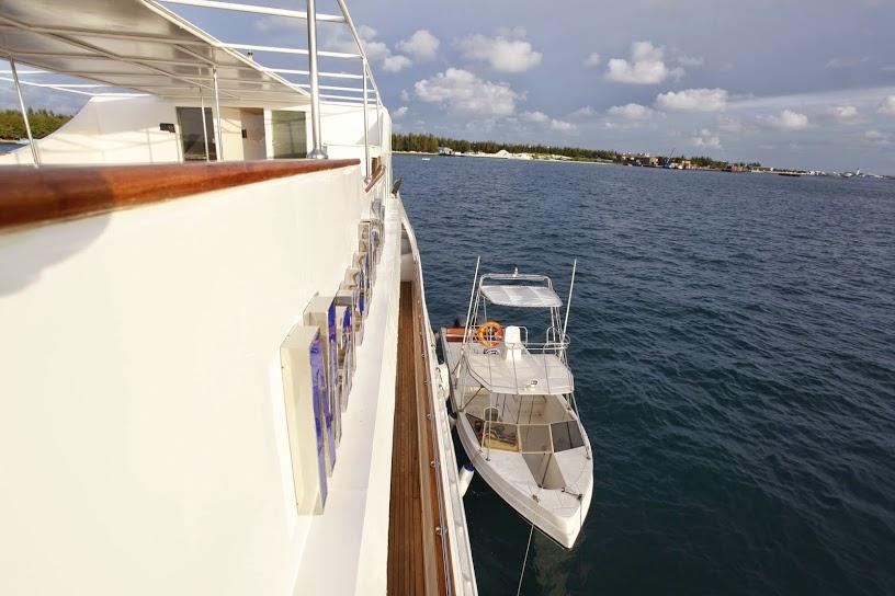 Almaroon Yacht Builders