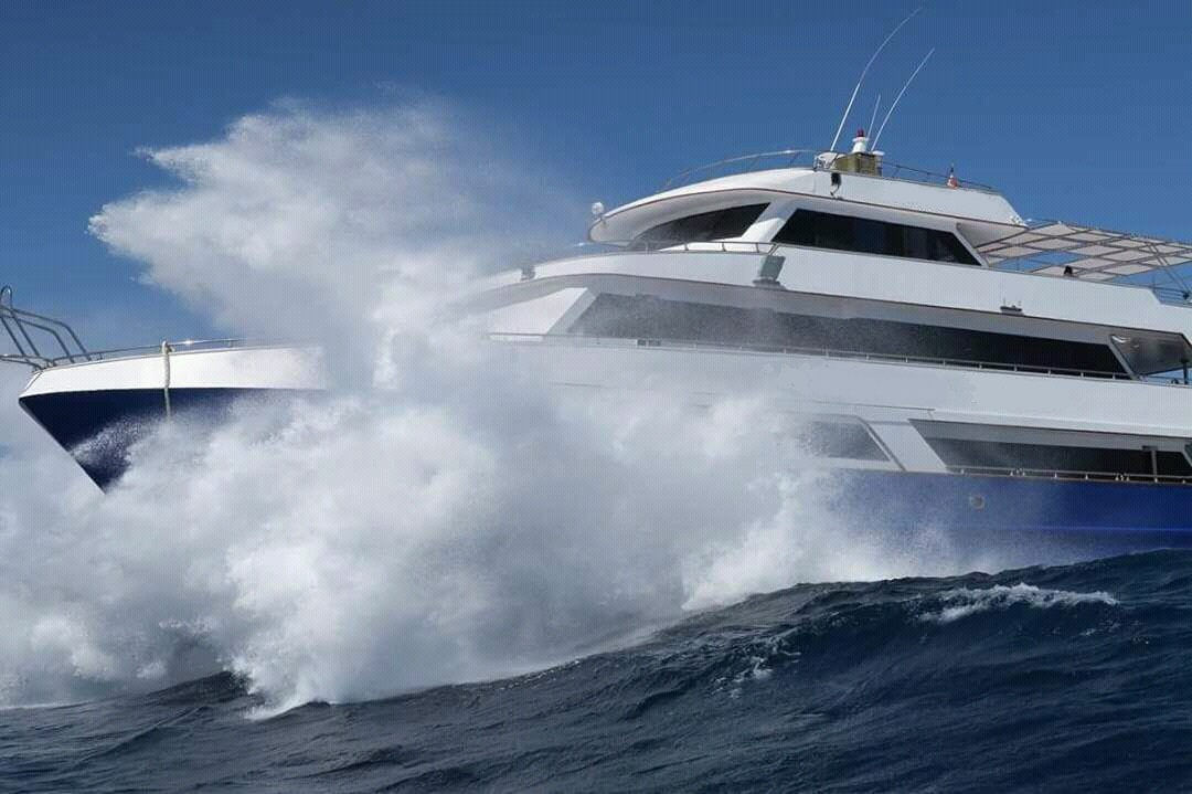 safary yacht for sale from steel