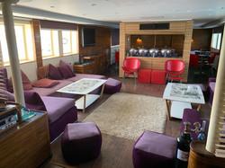 Liveaboard - salon