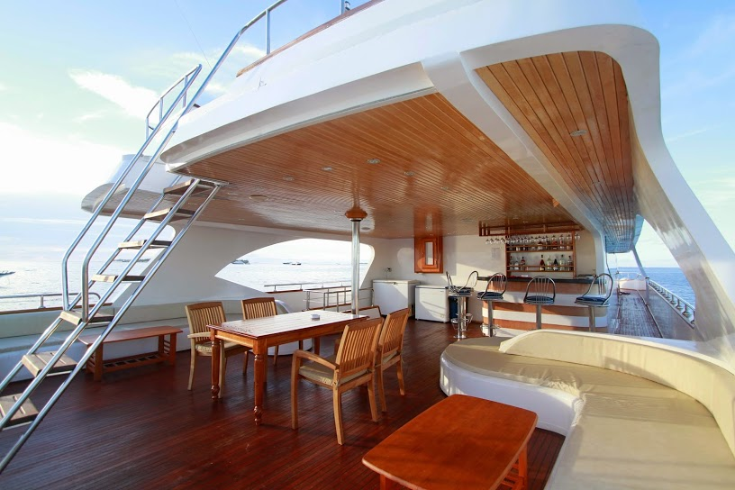 Marselia Star cozy liveaboard