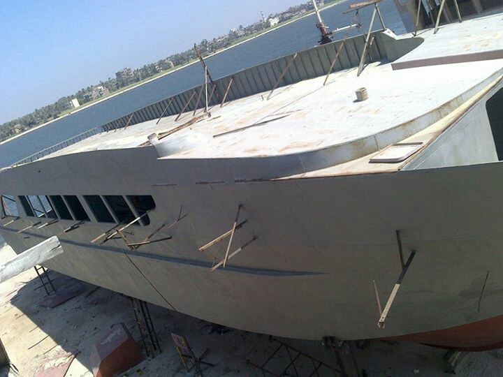 yacht hull for liveaboard