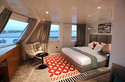 Yacht built by Almaroon