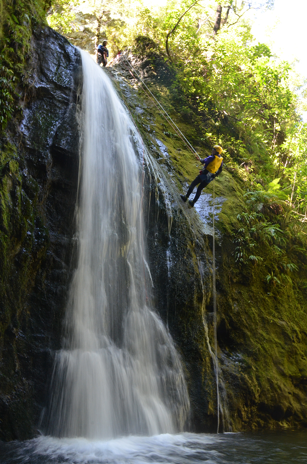 Tui_abseil_.png