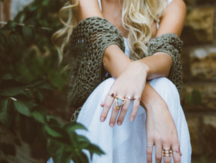 8 Reasons Why Ring Turns Your Finger Green. Life Hacks To Prevent It!