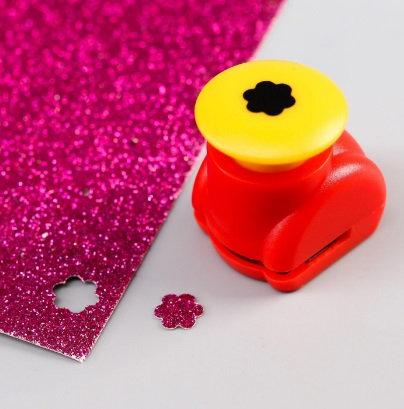 """Дырокол фигурный кнопка """"Цветок"""" d=1,3 см МИКС"""