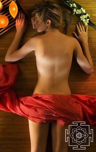 ayurveda-tantra-massage_edited_edited.jp