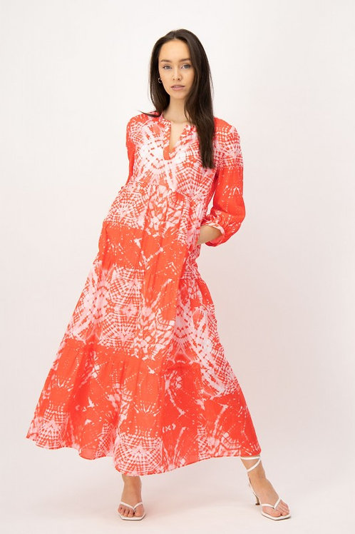 Długa biało-pomarańczowa sukienka z falbanami LOUIS and MIA