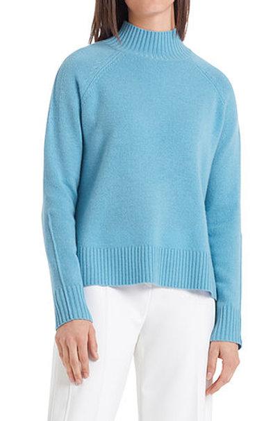 Błękitny sweter z półgolfem Marc Cain