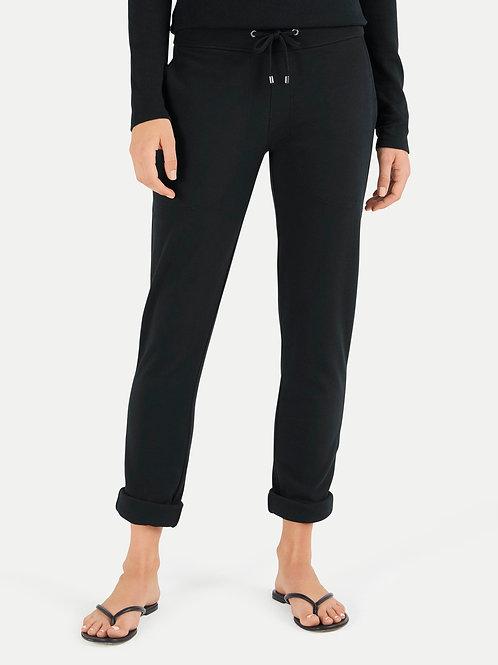 Czarne spodnie dresowe z podwiniętymi nogawkami JUVIA