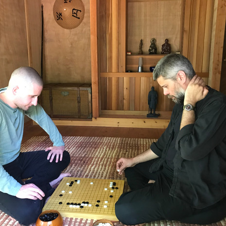 Playing Go in Gogo-An