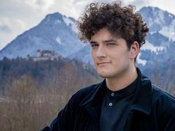 "Switzerland | It's Gjon's Tears for Switzerland with ""Répondez-moi"""