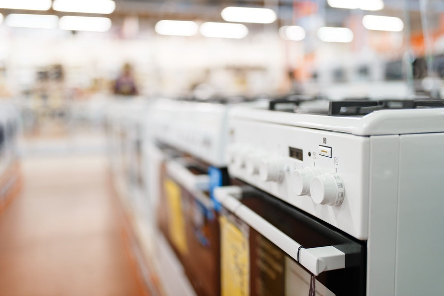 row-of-new-gas-stoves-in-electronics-sto