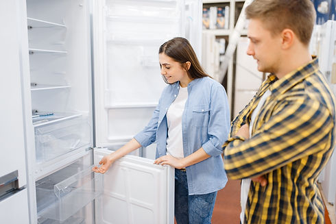 couple-choosing-refrigerator-in-electron