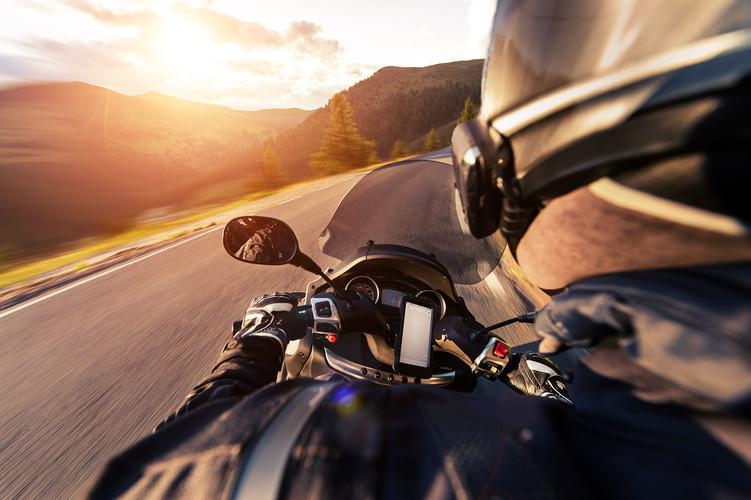 motorcycle-motorbike-pov-alp-ride.jpg