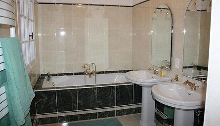 vdb bath.jpg