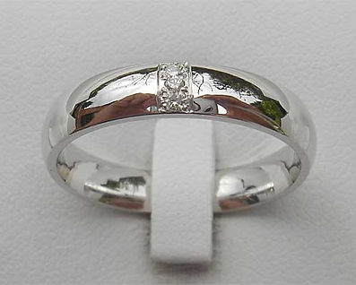 handmade-white-gold-wedding-ring.jpg