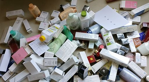 A large number of knock-off cosmetic products confiscated in China