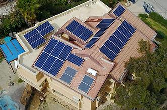 מערכת סולארית על גג בבית בערד