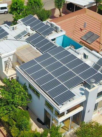 מערכת סולארית בהוד השרון