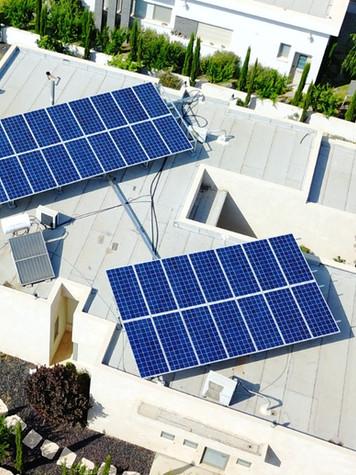 מערכת סולארית בכפר בלום