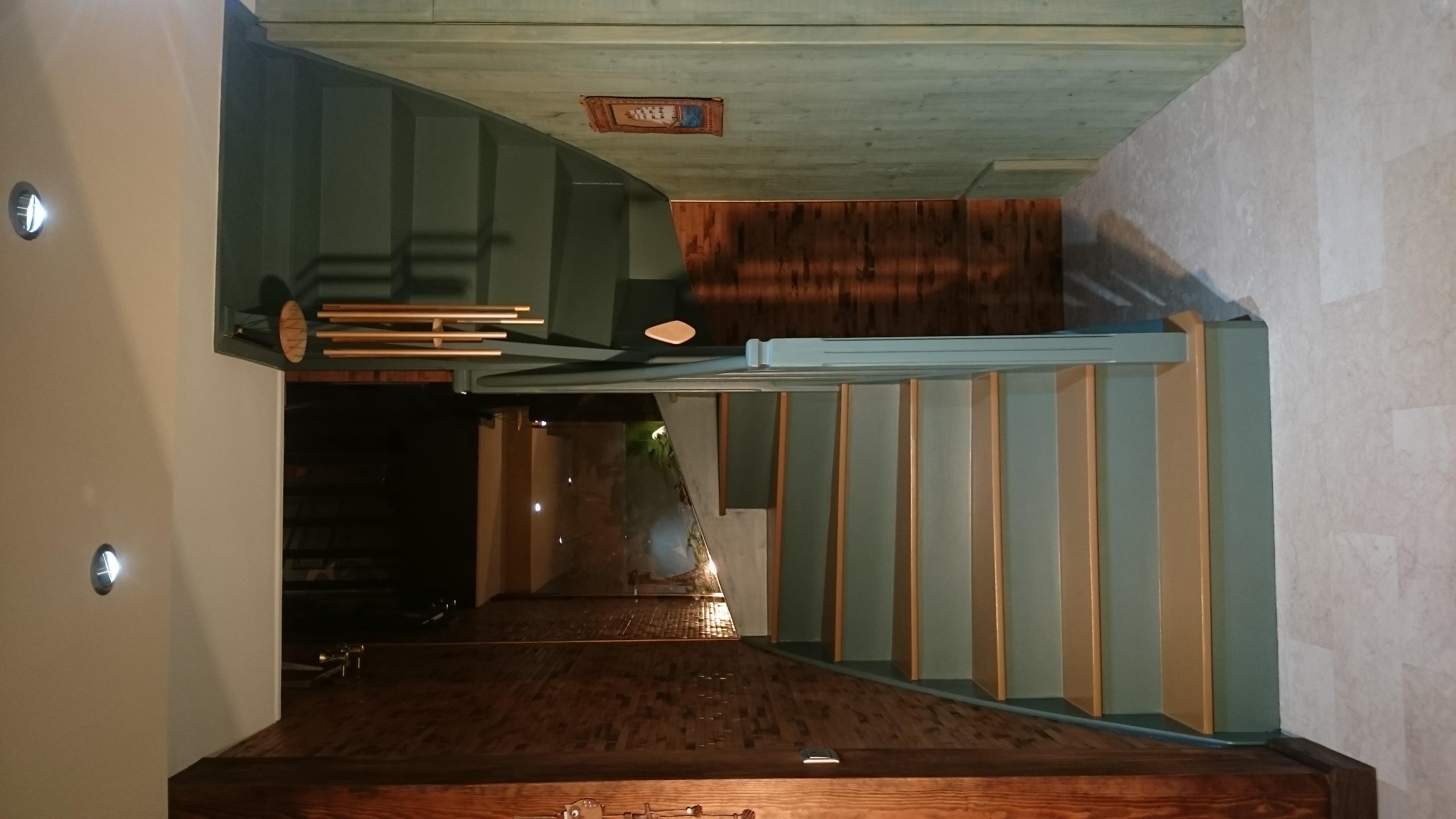 Escalier bicolore 18 marches