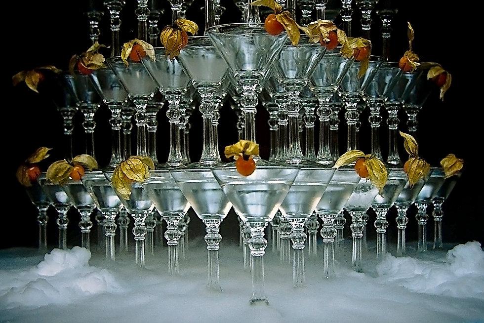 Пирамида из бокалов,пирамида шомпанского