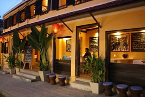 Coast Vietnam Hoi An travel guide: The best bars in Hoi An: where to get those craft beers, sexy cocktails and snacks for a great night out in the old town and on the beach