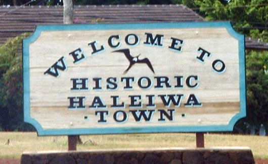 Haleiwa-Town-Sign