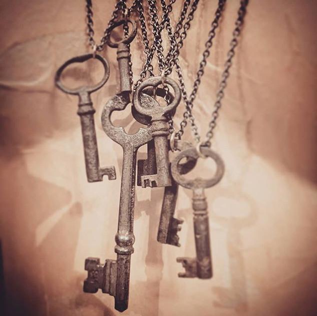 Antique skeleton key necklaces 🗝️ $23 ?