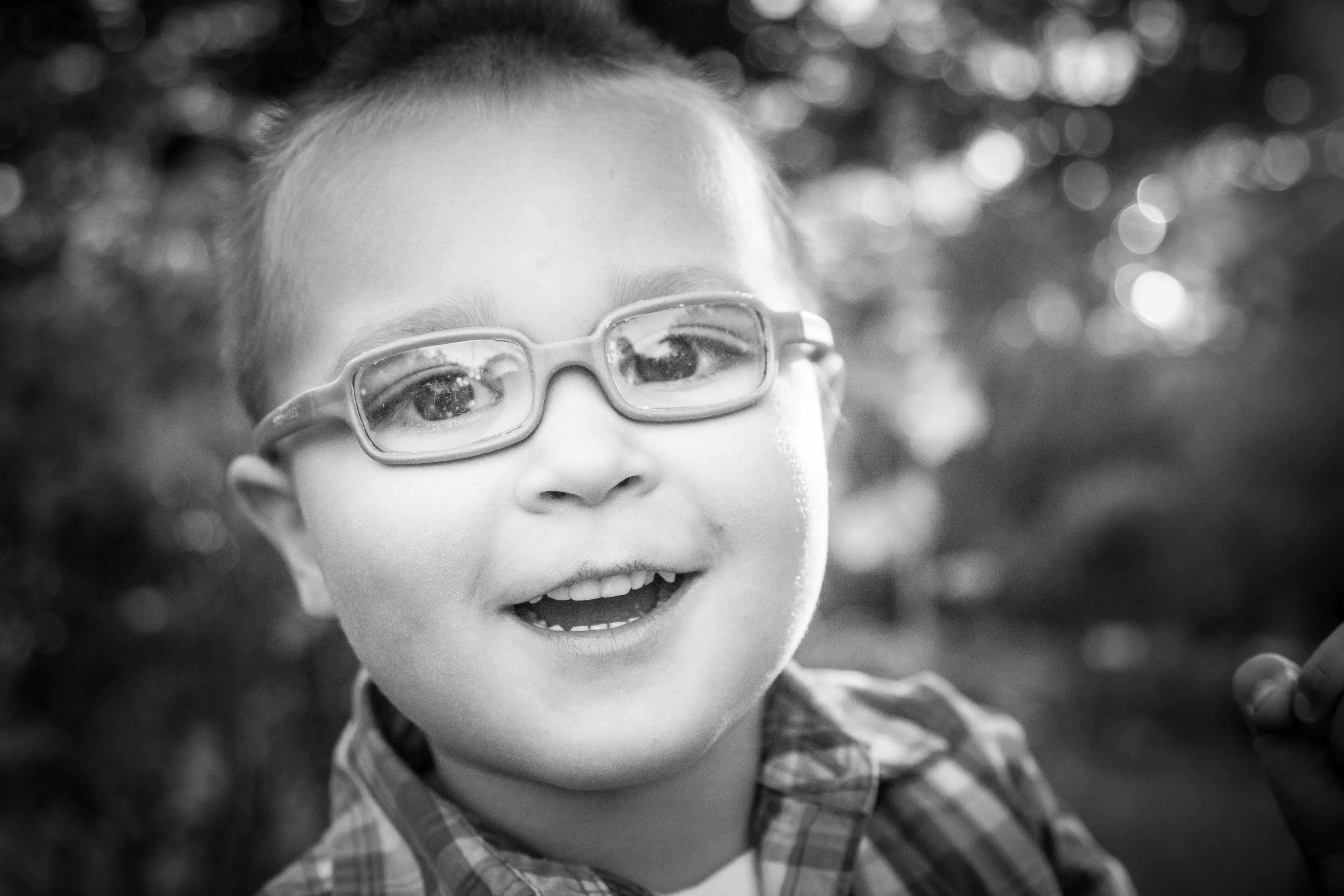 Victoria Lohnes - Giveaway session - Tehachapi - 93561 - Child Portrait - Errea House - Nilas Photog