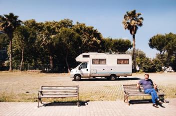 Man en camper, Tropea, Italië