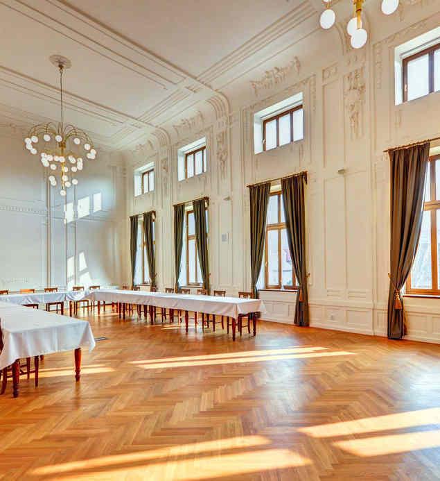 Velký sál v Hotelu Chmelnice.   Hotel Chmelnice Napajedla