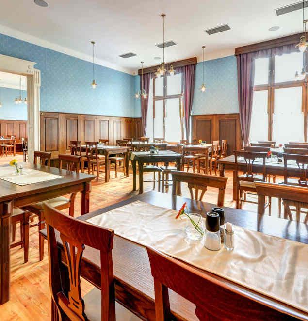 Prostory Restaurace Hotelu Chmelnice. | Hotel Chmelnice Napajedla