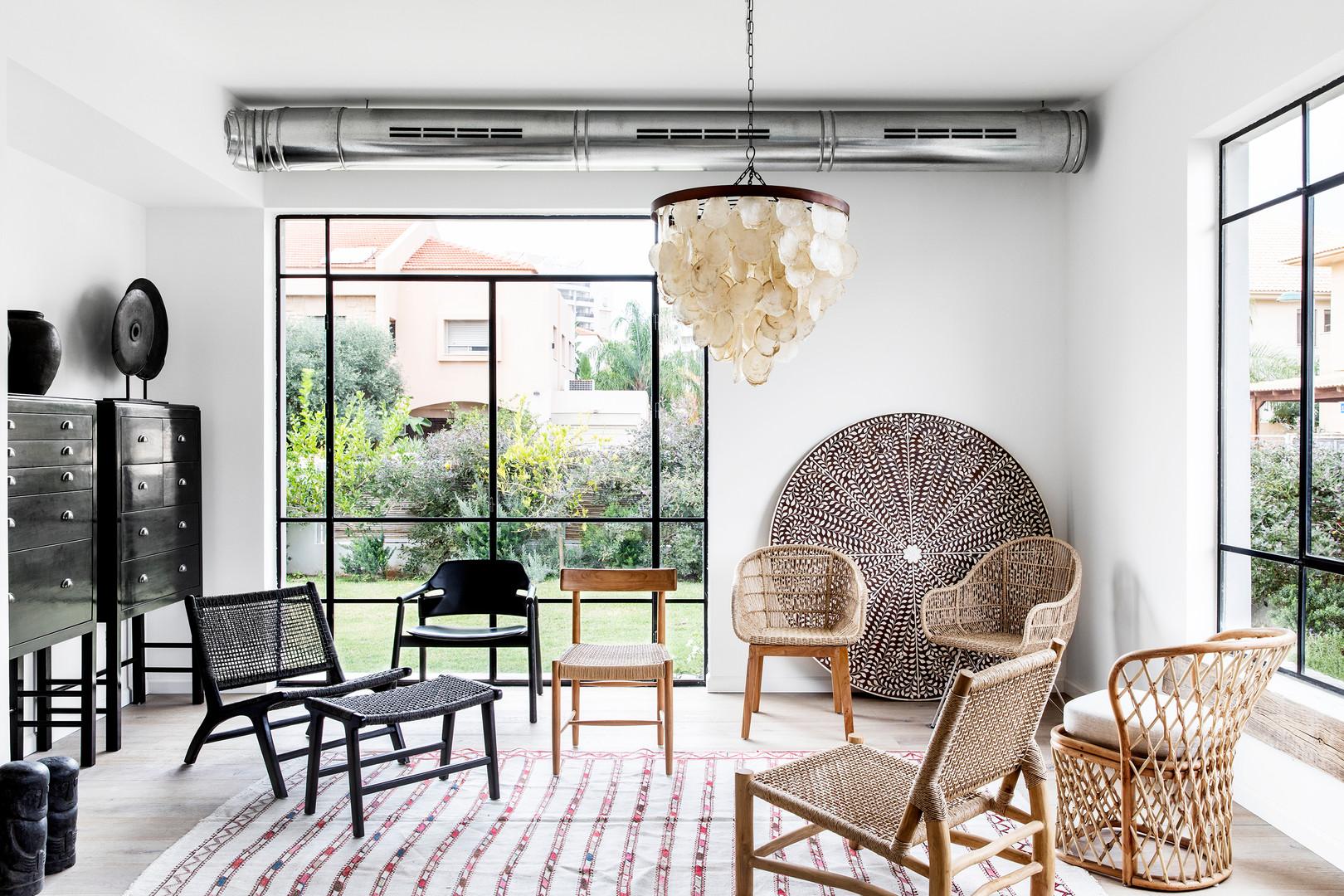 Rattan, Teak & Leather Seatting Architecture - Zachit Tshuva