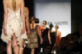 Daphne Valente, plisse, pleated, sculptural designs, fluid movement, fashion, high fashion, Greek, dress, sculptural dresses,πλισσέ, φορέματα, υψηλή ραπτική