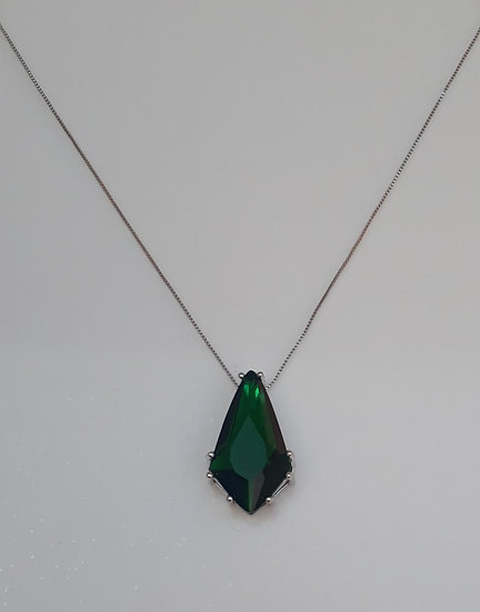 Colar Pedra Verde Esmeralda Folheado a Ródio