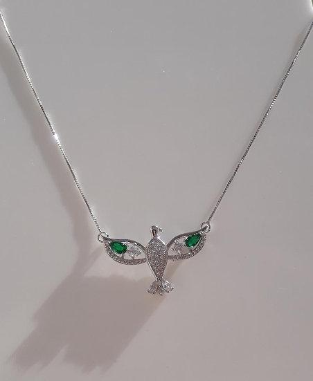 Colar Espírito Santo Cravejado com gota Verde Esmeralda