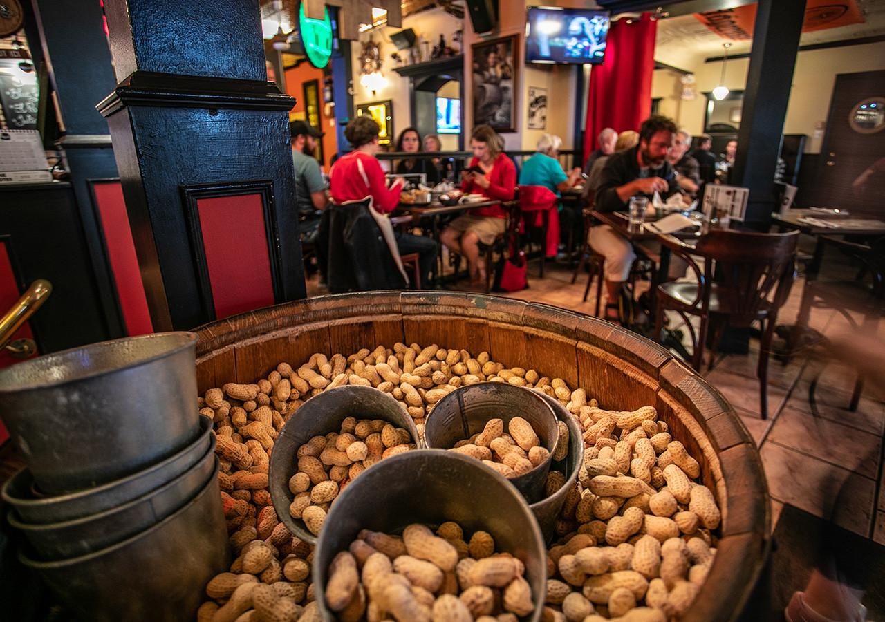 Chez Bass pub
