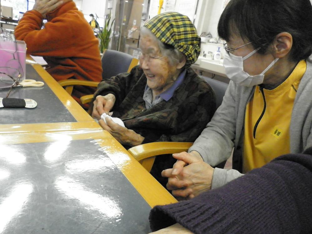 「雑巾縫い」での一コマ。笑顔が眩しいです。