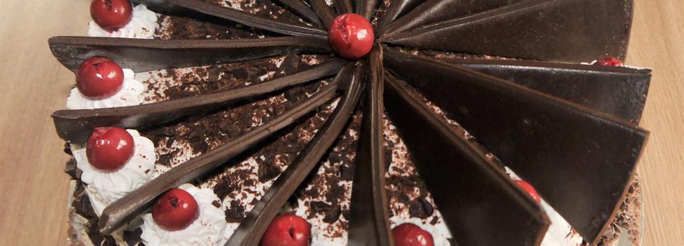 Black forest fondant 2.jpg