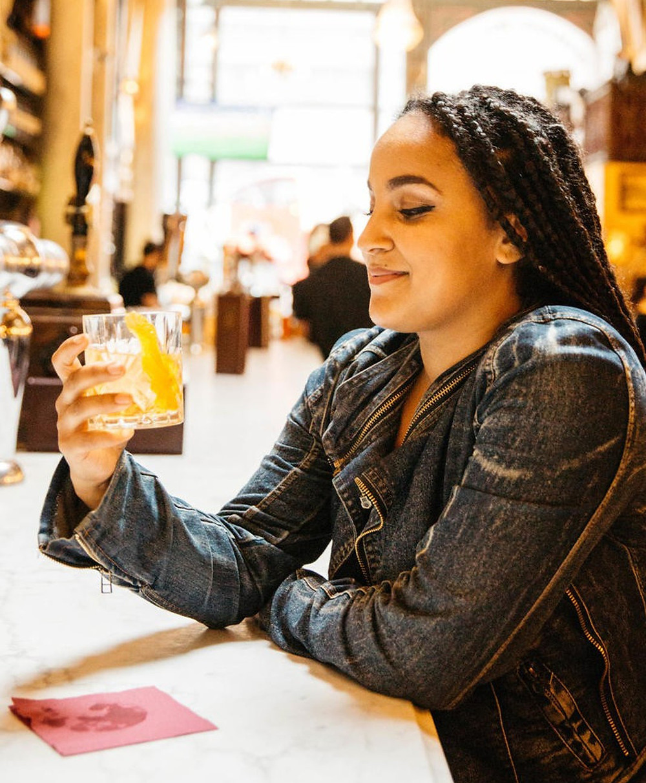 Guia da experiência Prohibition history tour no Lilly's bar em Nova York