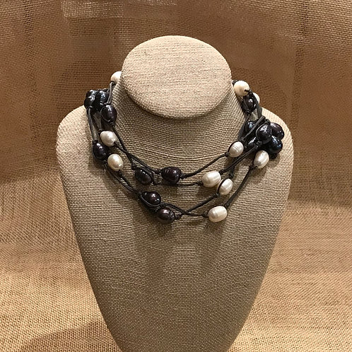 """72"""" Black and white Freshwater Pearl Lariat"""