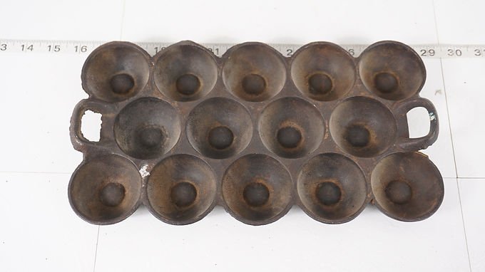 Mid 1800s Cast Iron Gem Muffin Pan No 12 - G F Filley