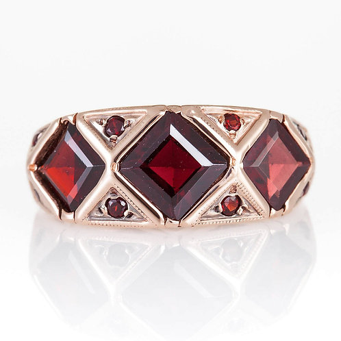 3 Rhombus Ring with Garnet