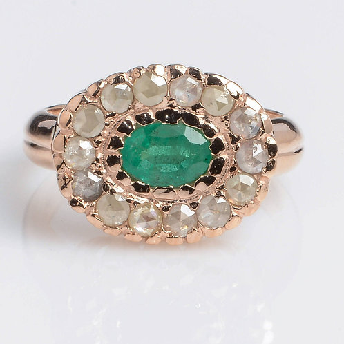 Emerald Oval Flower Ring