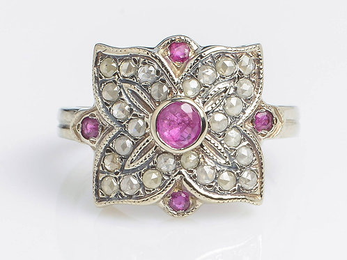 4 leaf Ring with Rose Cut Diamonds and Ruby