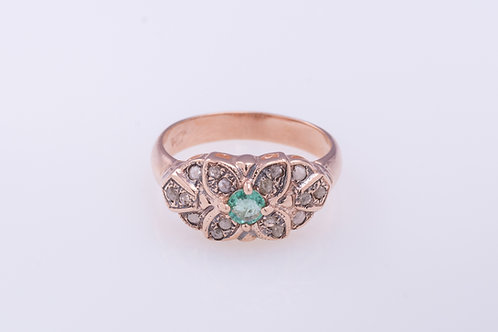 Emerald and Rose Cut Diamonds Flower Ring