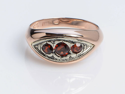 3 Garnet stones Ring