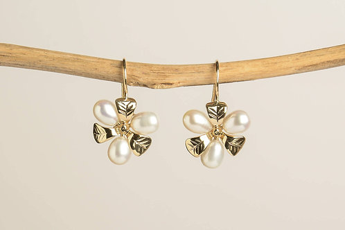Gold Leaves and Pearls Drop Earrings