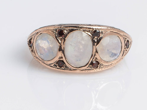 Art Deco Ring with Moonstone and Garnet
